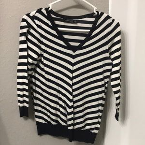 Limited navy/white stripped sweater